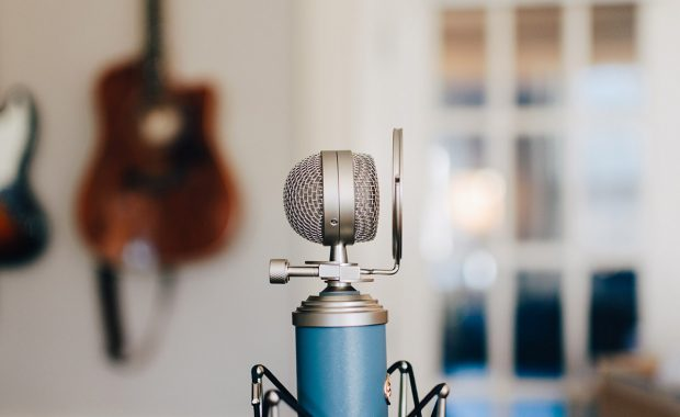 3 simple tips to develop a strong brand voice